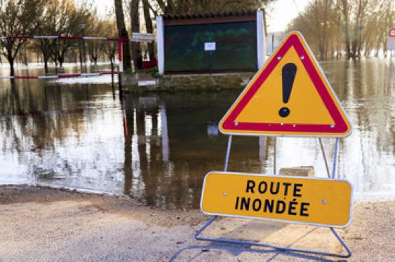 Panneau-danger-temporaire-inondation