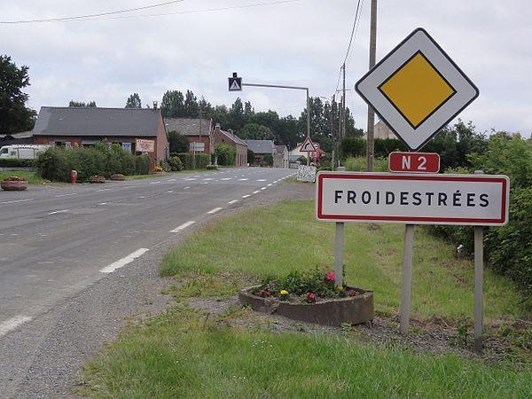 Panneau-rouge-route-nationale