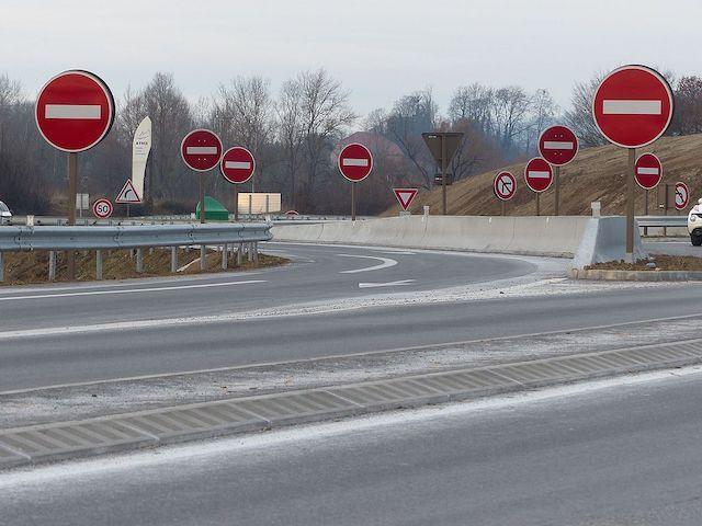 Panneaux-B1-sens-interdit-autoroute