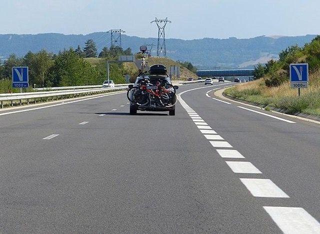 panneau-voies-de-detresse-autoroute-1
