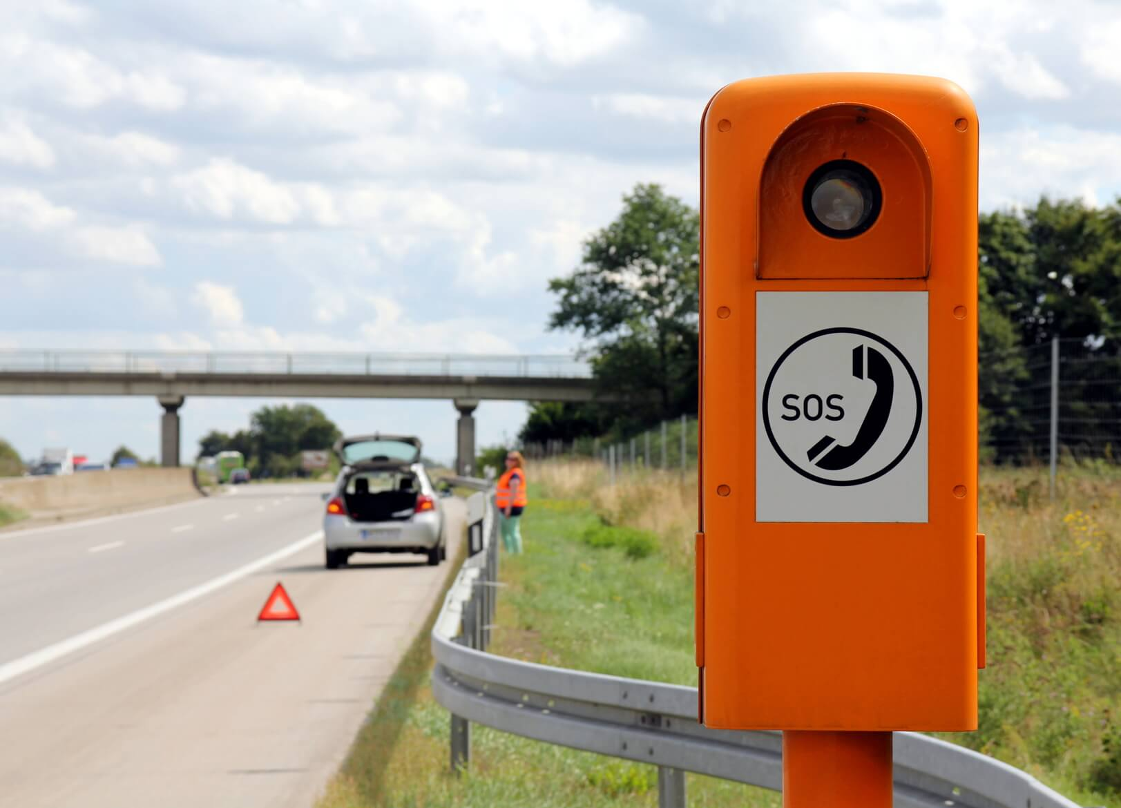Borne-appel-urgence-autoroute