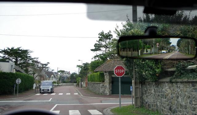 Panneau-marquage-sol-Stop