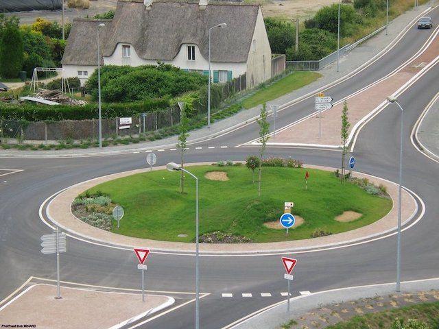 Carrefour-sens-giratoire-ceder-passage