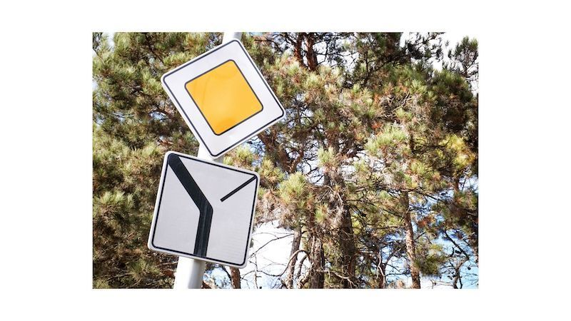Panneau-route-prioritaire-panonceau-schema