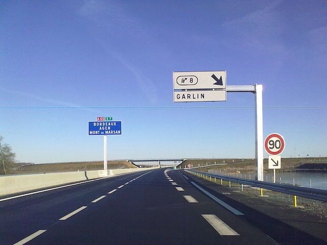 Panneau-sortie-d-autoroute